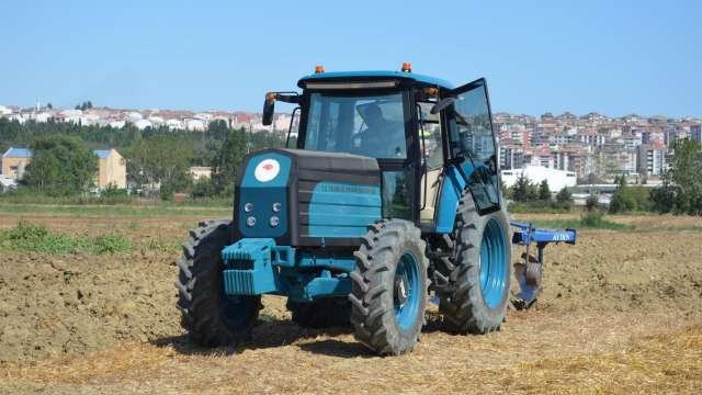Турки виводять на ринок повністю електричний трактор