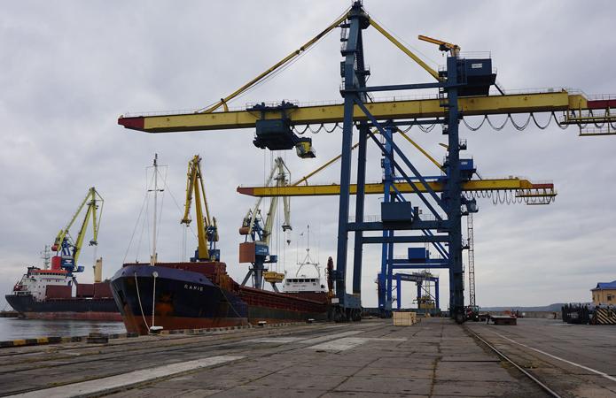 Названо дату завершення будівництва зернового терміналу в порту Маріуполя