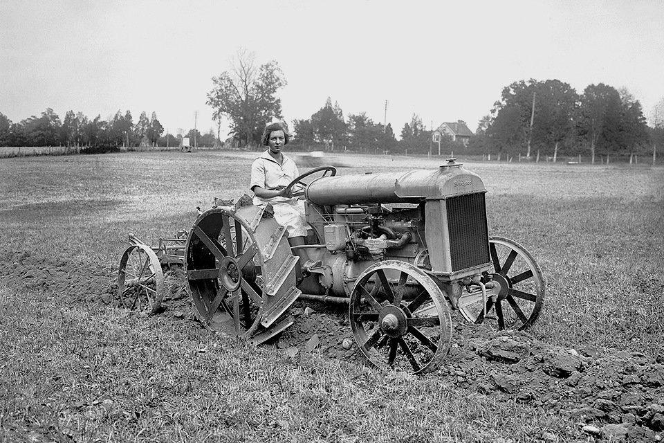 Трактор американського виробництва Fordson, конструкцією та виробництвом якого зацікавилися знані інженери